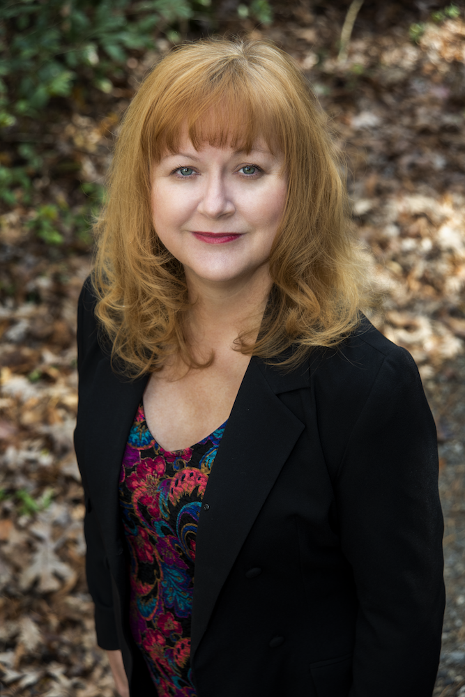 INTERVIEW: 10 Questions With… Jennifer St. Giles!
